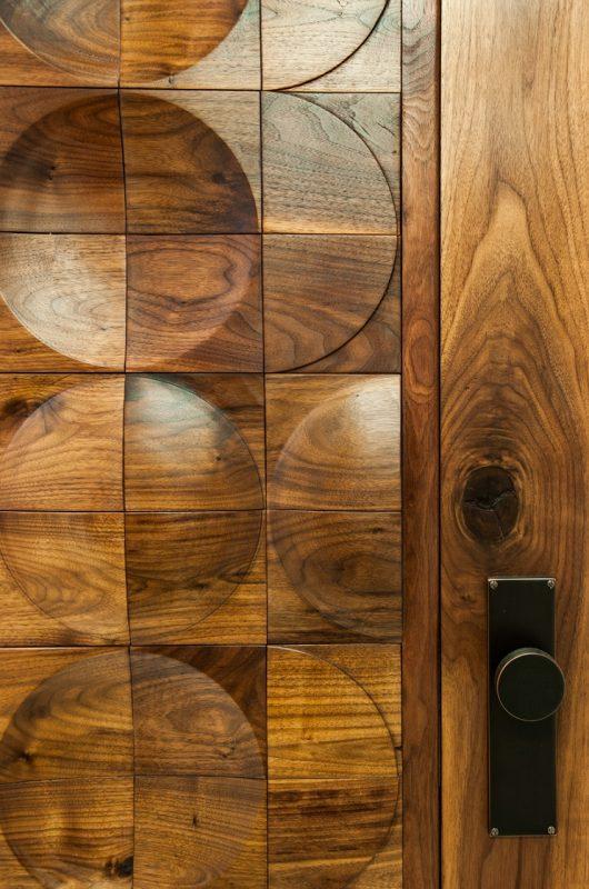 Capron-wood-turned-circle-design