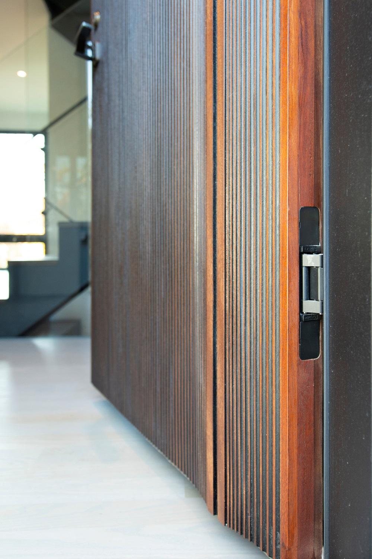 10-ScanWest Doors-DIVIDE-Hobson