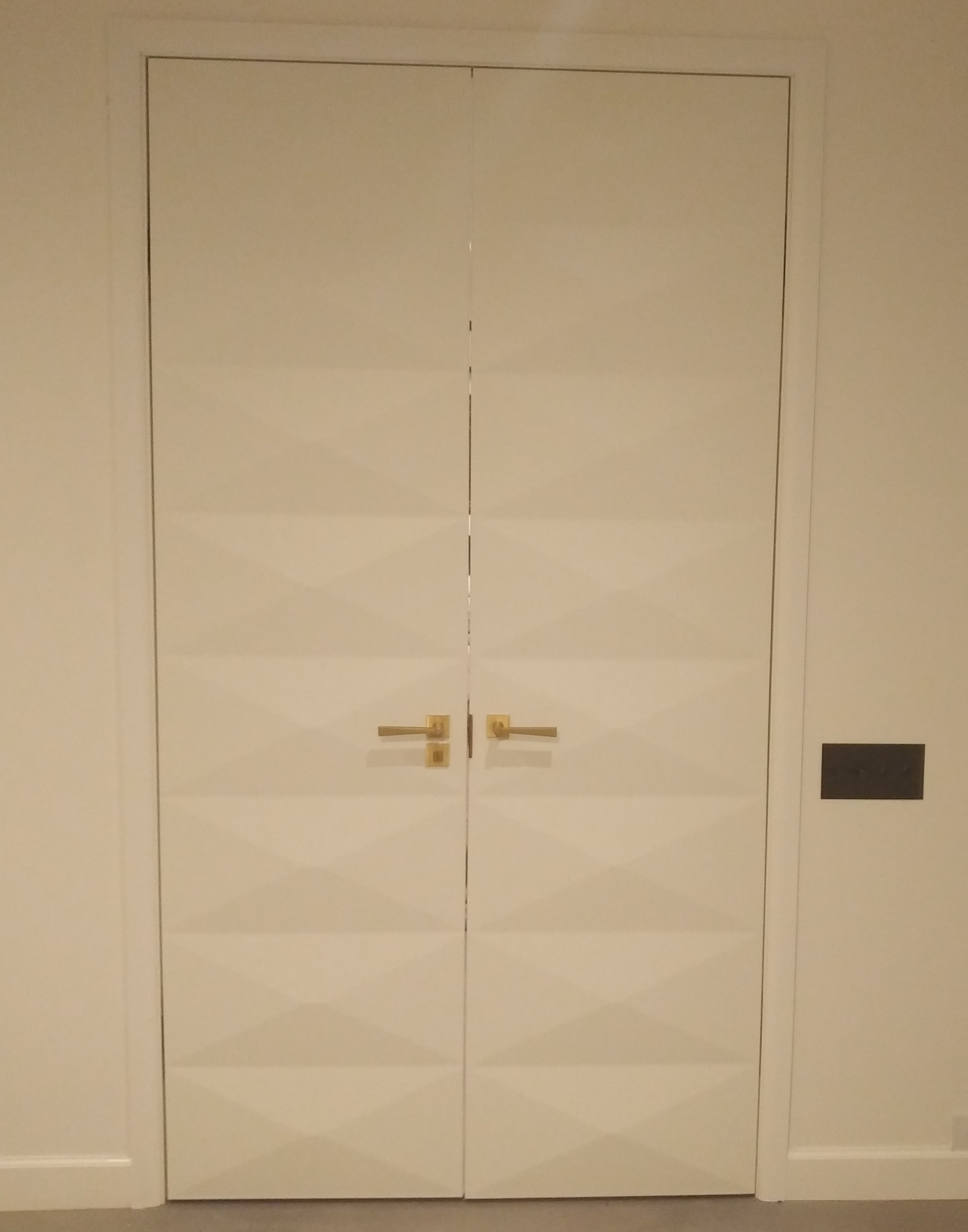 4-ScanWest Doors-DECO-Ford